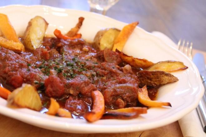 grekisk köttgryta stifado