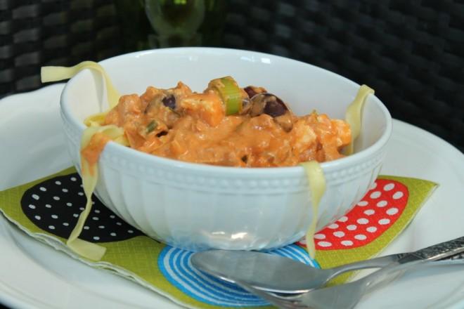tonfisksås pastasås fetaost kalamataoliver purjolök vispgrädde