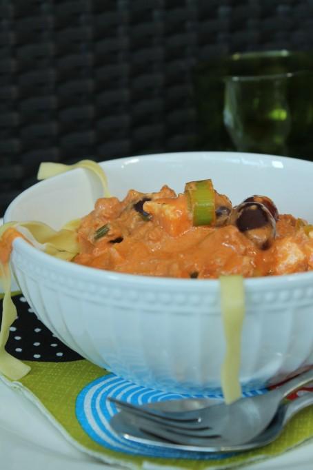 tonfisksås fetaost purjolök oliver grädde pastasås