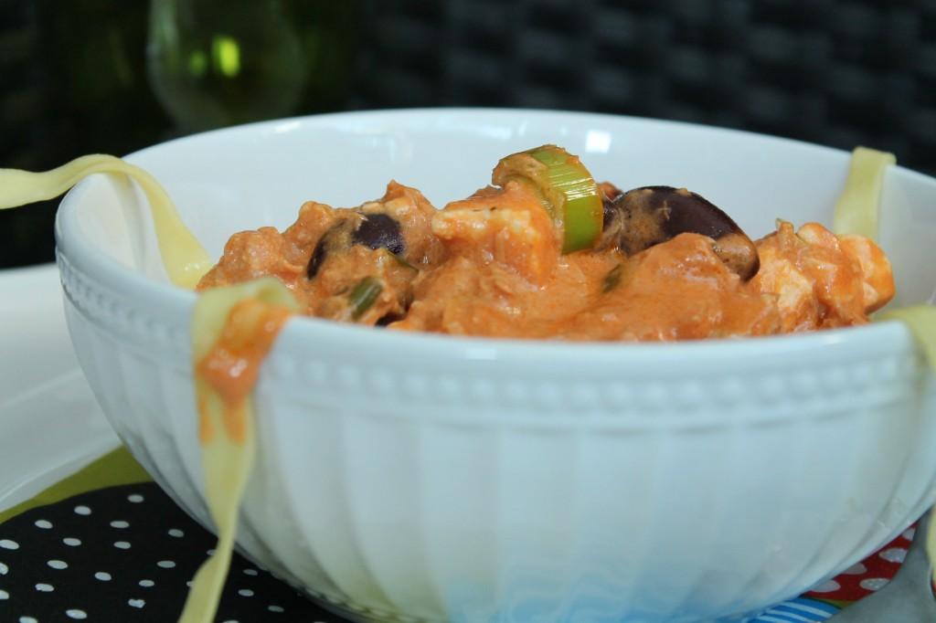 pastasås tonfisk fetaost oliver purjolök grädde
