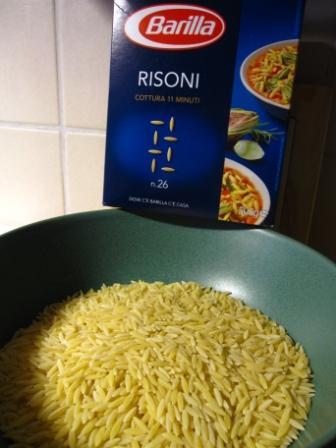 pasta som ser ut som ris