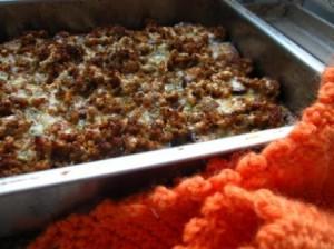 Aubergine och köttfärs i en gratäng