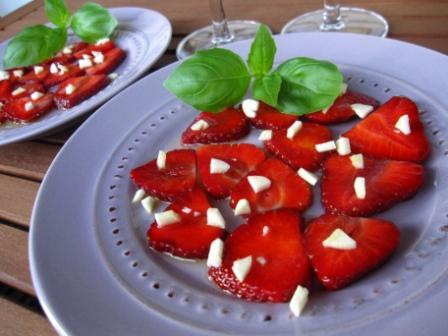 Vitlökstoppade jordgubbar
