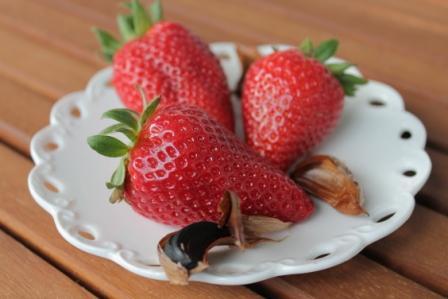 Jordgubbar och black garlic