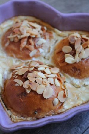 Bullåda med mandel och mandelspån