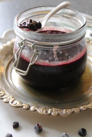 Marmelad med blåbär och choklad