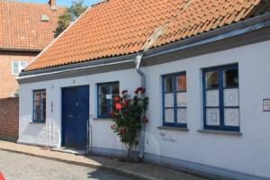 Blåvitt hus i Ystad