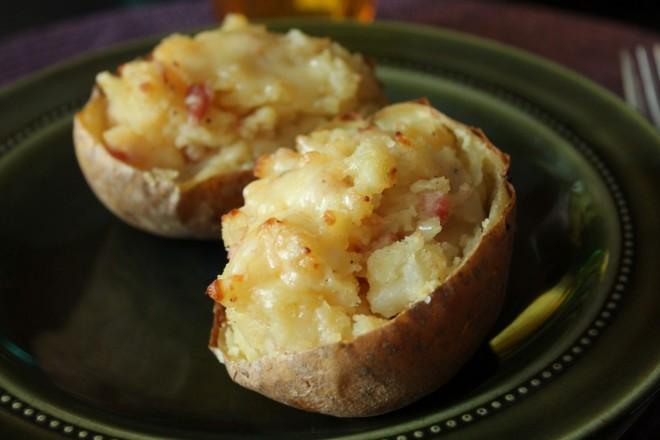 dubbelbakad potatis-jacket potatoes-bacon-västerbottensost