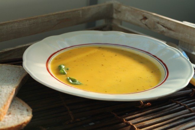 morotssoppa apelsin basilika