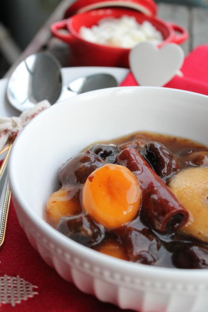 torkad frukt fruktsoppa risgrynsgröt