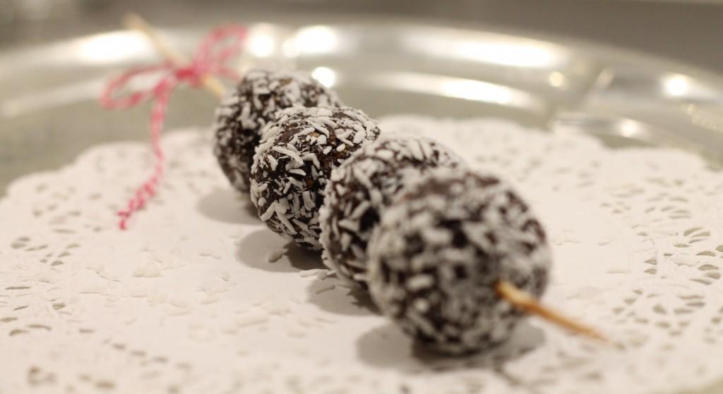 plommonbollar hälsosamt godis rawfood
