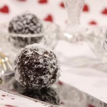 rawfood fikon- kardemummabollar kakao