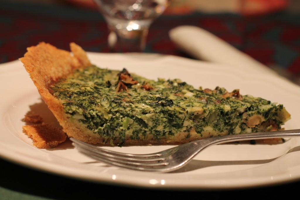 grönkålspaj ädelost valnötter