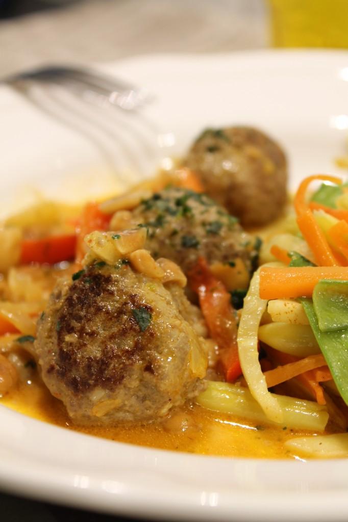 thaiköttbullar jordnötssås stekta grönsaker hälsokokboken