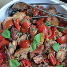 italiensk tomat- och brödsallad jamie oliver till grillat
