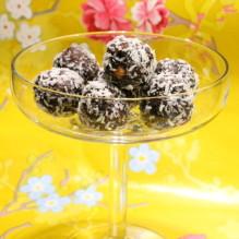 chokladbollar jordnötssmör kaffe jordnötschokladbollar