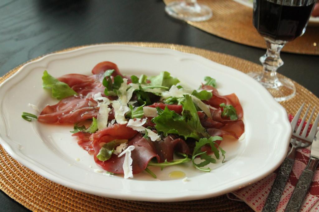 bresaola förrätt parmesan olivolja sallad