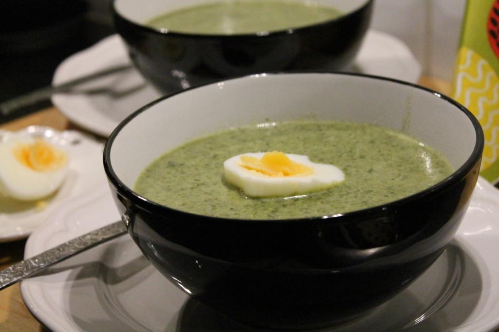 grönkålssoppa vegetarisk grönkål vispgrädde ägghalvor