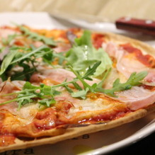 pizza libabröd vedrökt sidfläsk tryffelolja