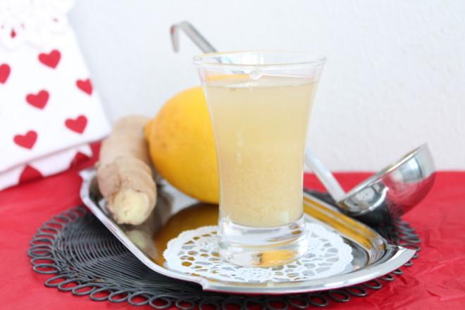 frukostshot ingefärsshot ingefära citron honung rå