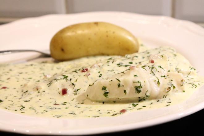 koljafilé vit fisk örtsås krämig