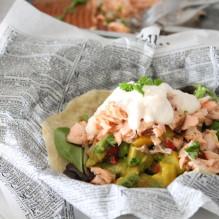 fisktacos varmrökt lax rökbox mango avokado salsa chiliyoghurt