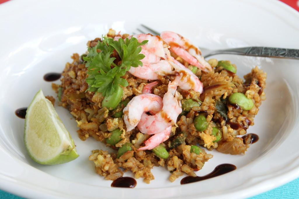 stekt ris asiatisk mat räkor lime soja sweet chilisås edamamebönor lättlagat