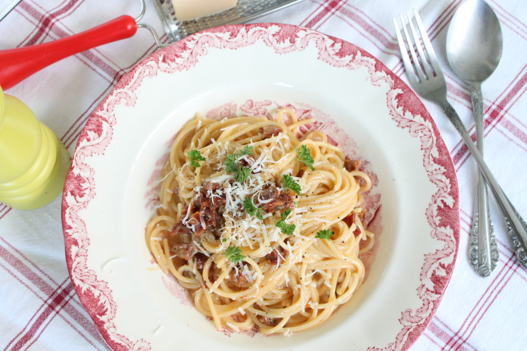 pasta carbonara vegetarisk soltorkade tomater liquid smoke