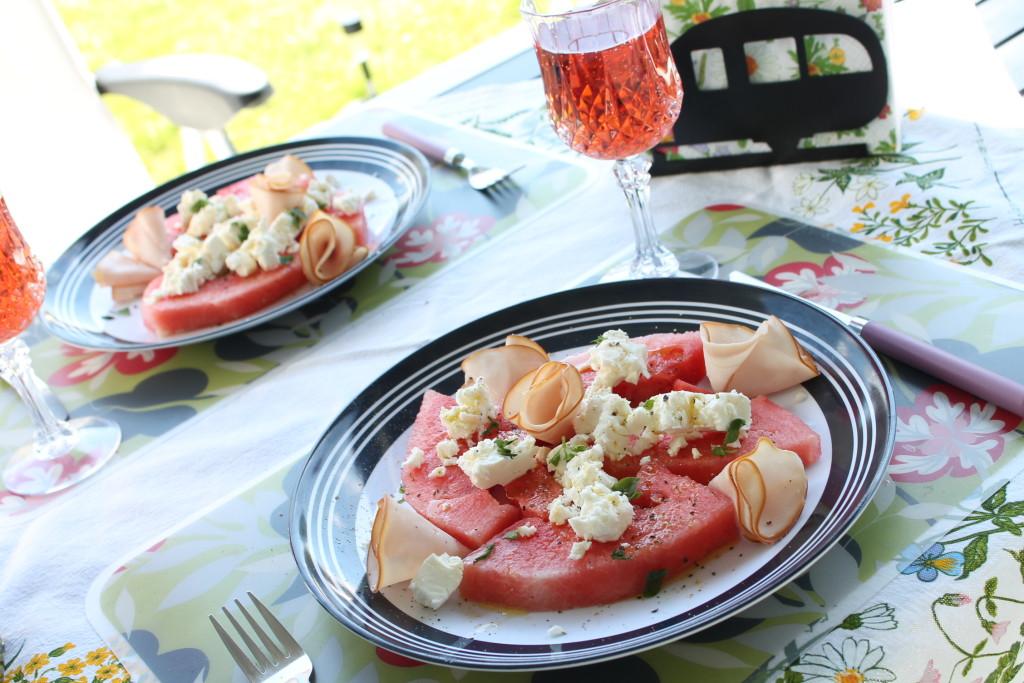 sallad sommar semester vattenmelon fetaost mynta husvagn