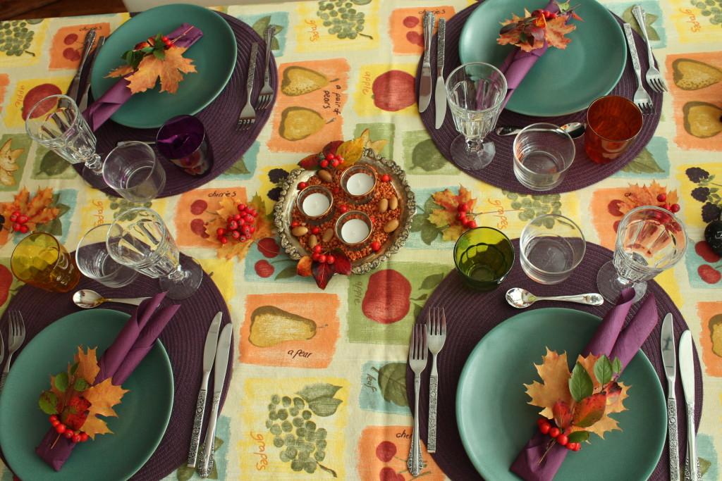 Dukat middagsbord med hösttema.