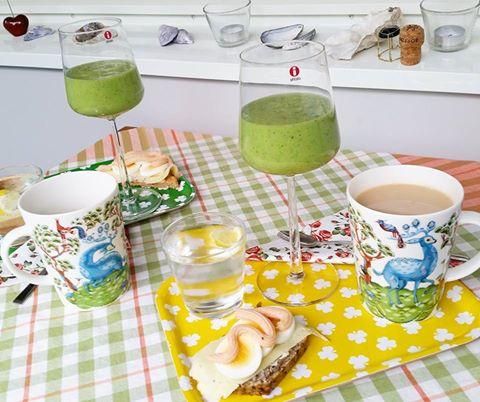 frukost grön smoothie helg lördag