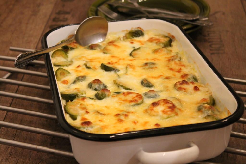 gratäng vegetarisk brysselkål gröna linser kidneybönor västerbottensost brysselkålsgratäng