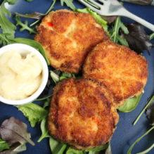 krabbkakor deviled crab cakes krabba burkkrabba lök paprika senapspulver tabasco förrätt tjejkväll